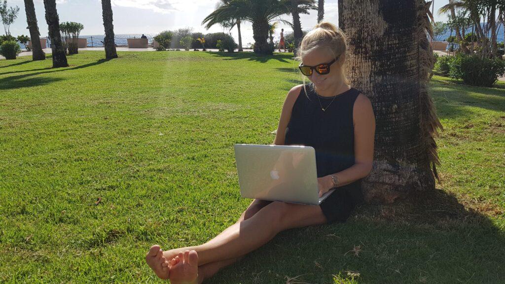 Jak zarabiać na swoim blogu, dzięki produktom i usługom online