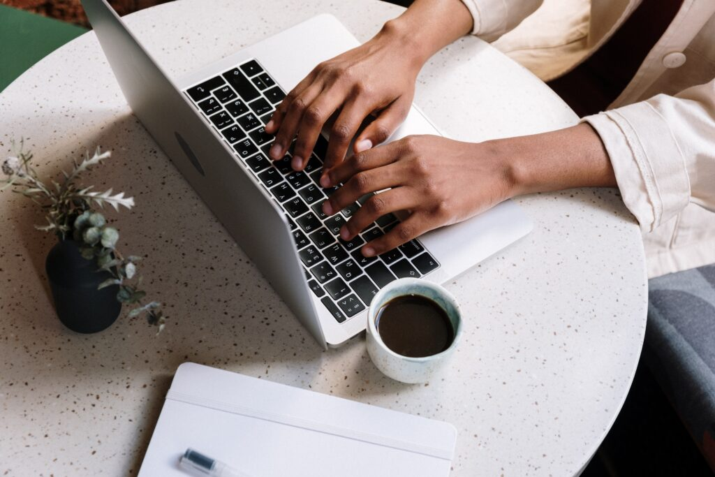 jak zarabiać na blogu dzięki reklamom